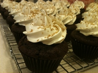 Frosted!: Chocolate Buttermilk Cupcakes with Vanilla Swiss Meringue ...