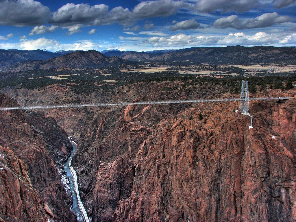 http://1.bp.blogspot.com/_jVVDVzcqb9c/TK8-3VteAFI/AAAAAAAAPxs/oLExTbfsznA/s1600/Royal-Gorge-Bridge-Colorado.jpg