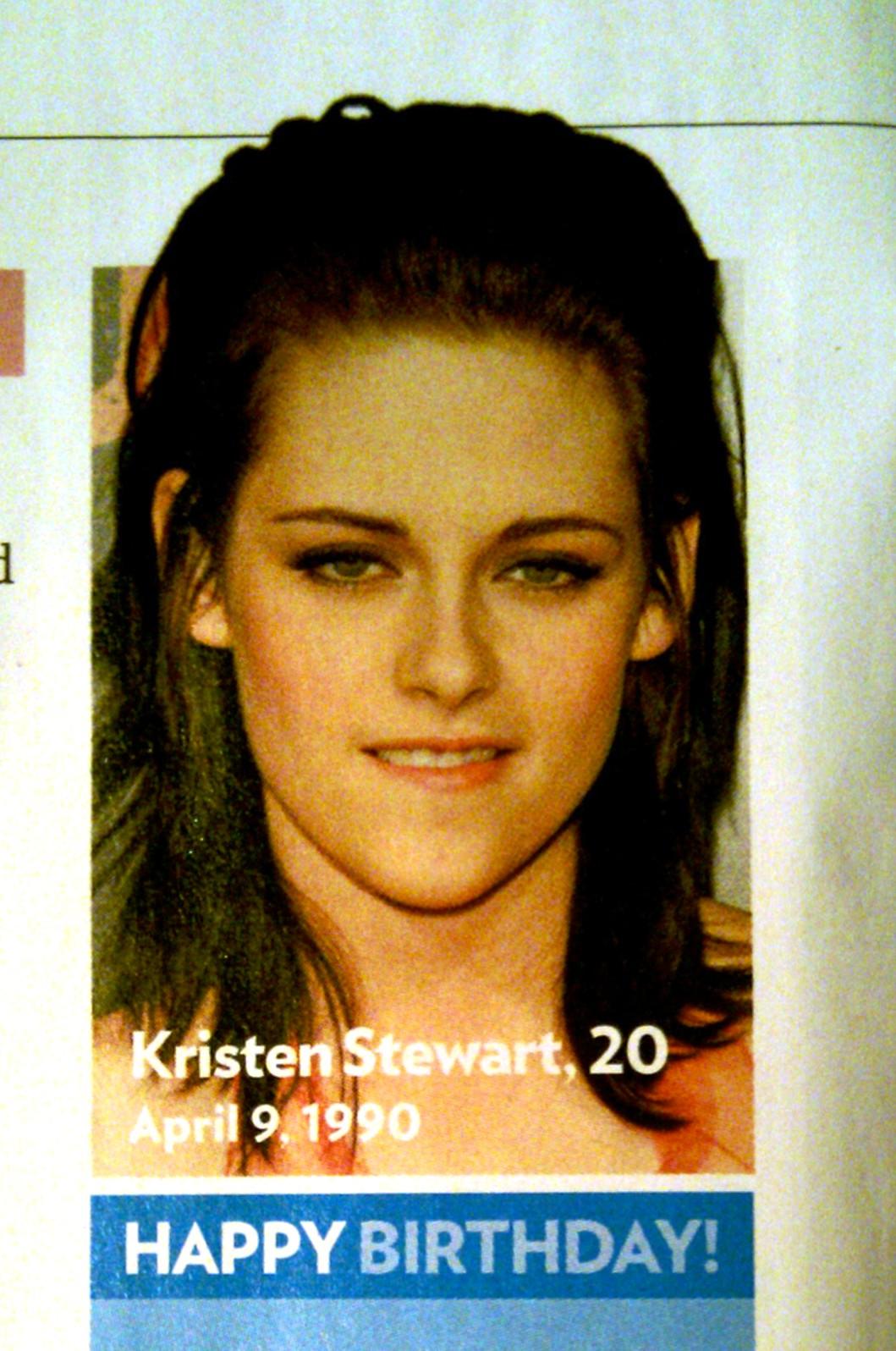 http://1.bp.blogspot.com/_jXWs6TMvO5g/S75L9XB3kvI/AAAAAAAAAqU/maeg7BJ72js/s1600/Kristen%2BStewart.jpg