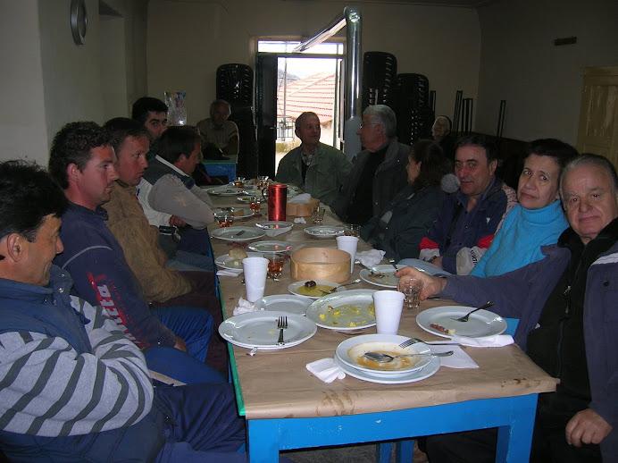 15/3/2009 - γεύμα μετά τη δενδροφύτευση με ευχές γα καλό ρίζωμα