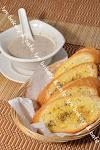 GARLIC BREAD+MUSHROOM SOUP