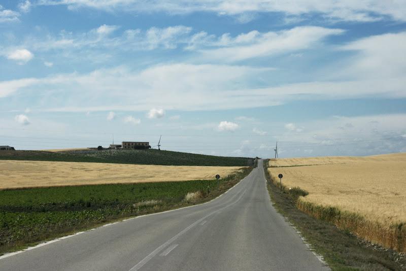 Carretera. S. José de Prunes al fondo