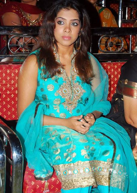 Sandhya In Sleeveless Salwar Suit Wallpapers Photoshoot images