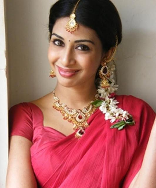 gayatri glamour  images