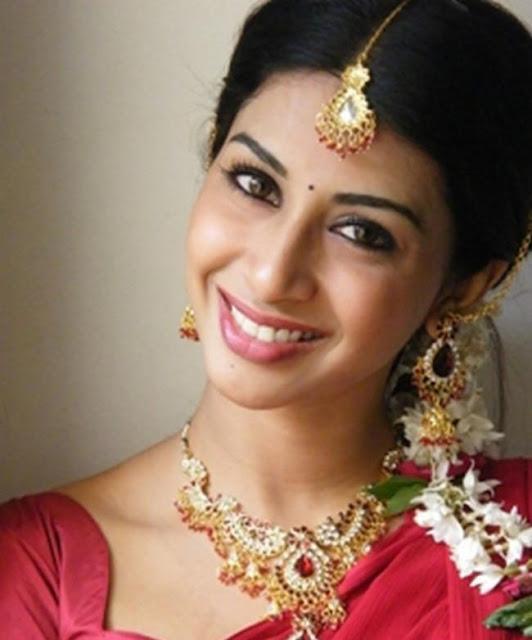 gayatri actress pics
