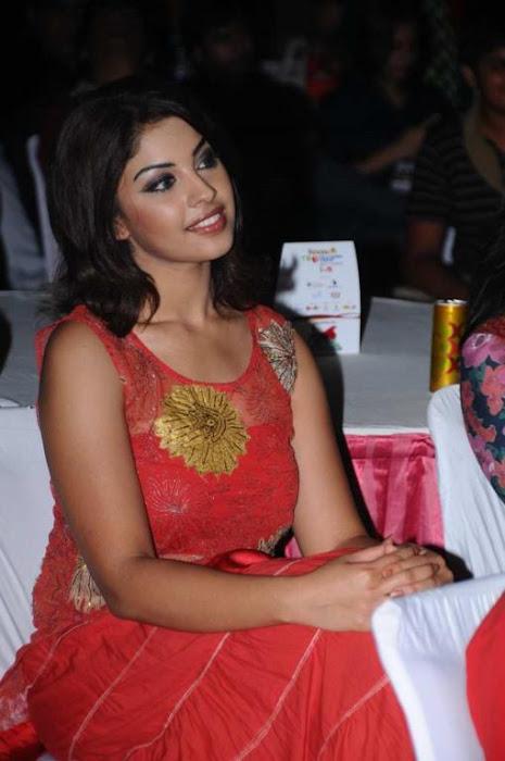 richa gangopadhyay at tollywood trophy t curtain raiser actress pics