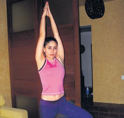 An Enthusiast And A Practitioner Of Power Yoga Herself Kareena Kapoor Has Now Got Tusshar For Student