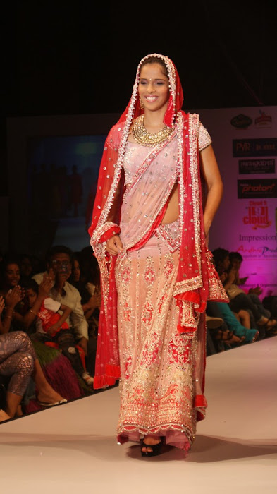 exclusve sania nehwal in bridal rwalk hot photoshoot