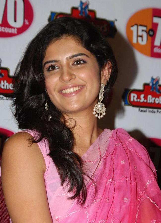 Tollywood Actress Deeksha Seth in pink Saree Photoshoot images