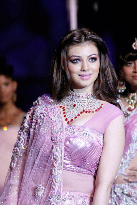 spicy ayesha takia at iijm rwalk photo gallery