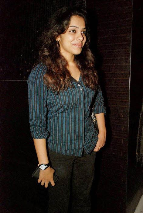 sandhya spotted at a priemier photo gallery