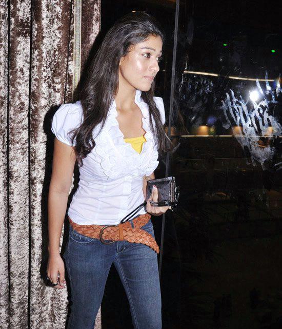 nayanatara in white dress actress pics