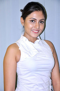 Madhu Shalini spotted in a tight Whiet Shirt spicy babe Madhu Shalini