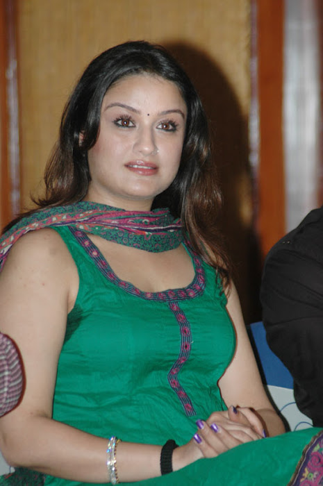 sonia agarwaal spicy looks cool in green chudidar photo gallery