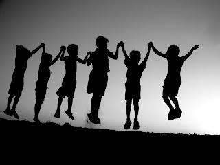 http://1.bp.blogspot.com/_jYVIevusfMo/TPhJ_2L3OVI/AAAAAAAAALM/aY6Bn9_LXf8/s1600/friendship-grey-children-image-31000.jpg