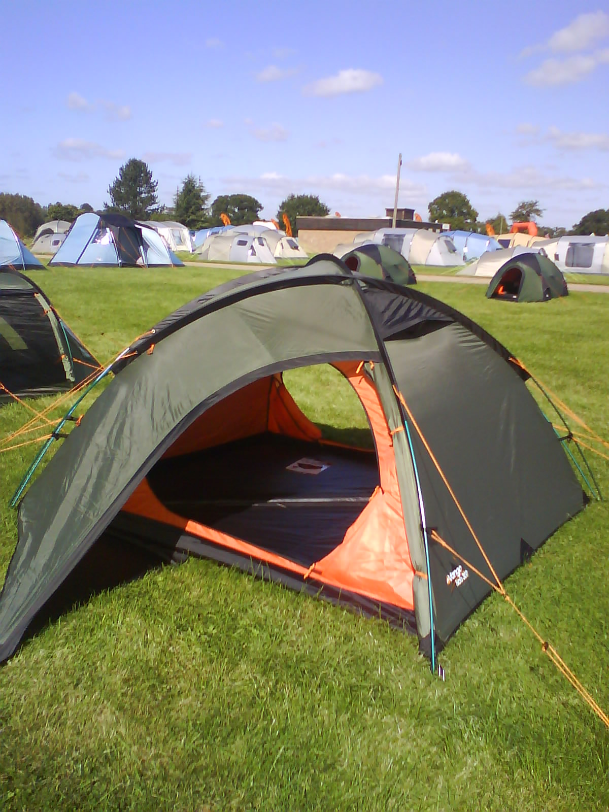 Benefitting from a very swift approximate pitching time of ten minutes the Halo is a convenient flysheet-first adventure tent. Boasting a weight of only ... & Outdoorkit: Vango Halo Tent