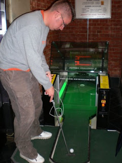 A 'Putting Challenge II' machine at Namco Station London in May 2007