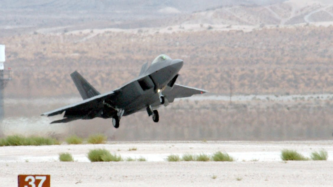 f 22 raptor wallpaper. F-22 Raptor Unsteady Takeoff