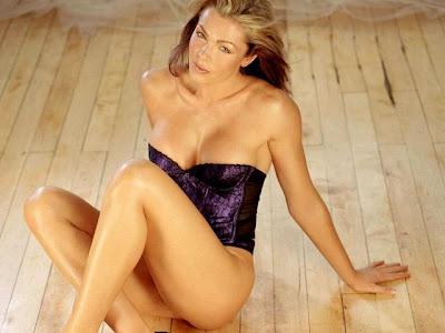 Nell McAndrew Nude Seductive Picture