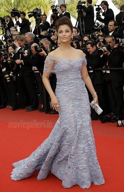 http://1.bp.blogspot.com/_jboBoVlqVLI/S-0j-1umAaI/AAAAAAAAASk/4Uff8hW7kUo/s1600/Aishwarya-Rai-63rd-Cannes-2010-red-carpet-stills-07.jpg