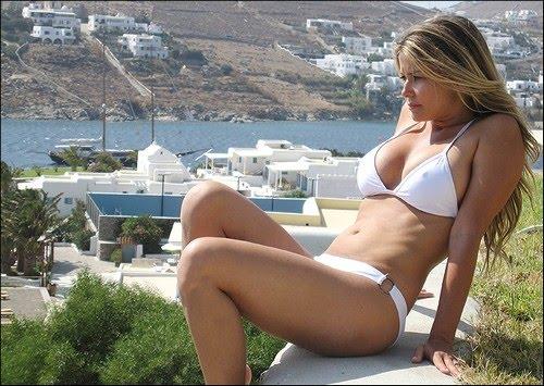 Carmen Electra In White Bikini