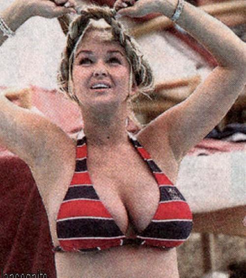 Jennifer Ellison Pregnant Bikini Pictures
