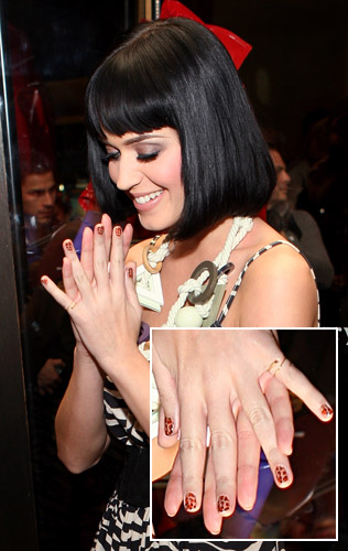 katy perry nail polish collection. Katy Perry - her nail deseigns