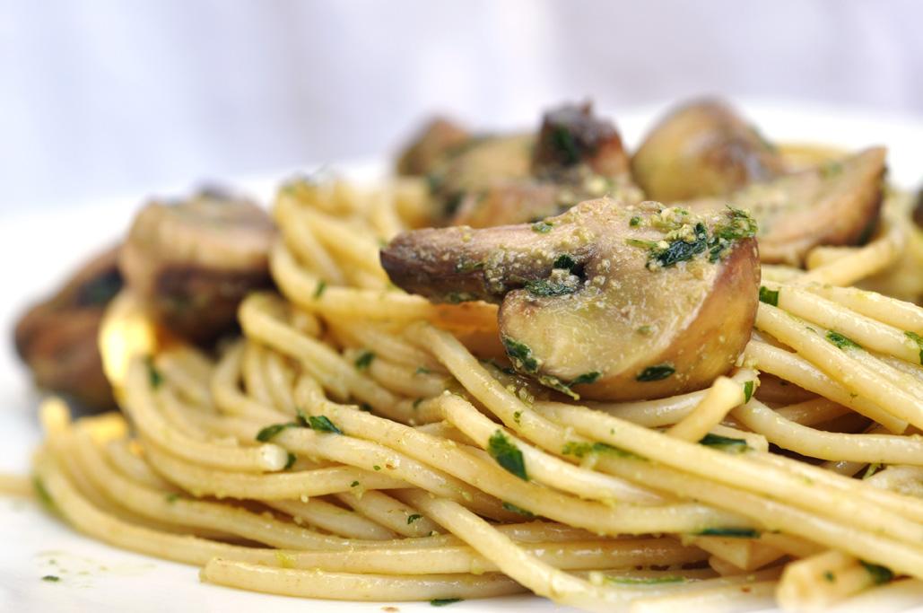 ... Food 4 Thought: Spaghetti with Mushrooms and Parsley Lemon Pesto