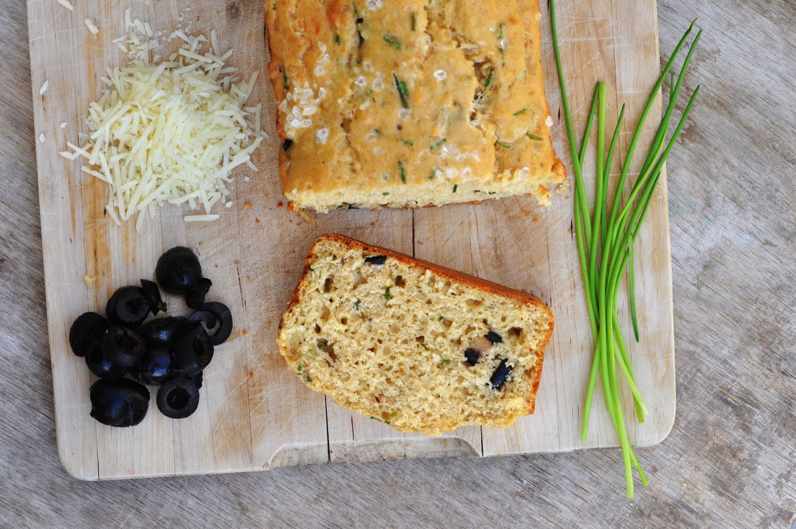 Anja's Food 4 Thought: Olive Cheese Bread