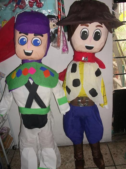 piñata carton gudy  y bozz