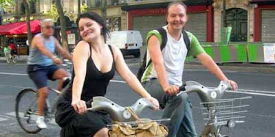 Image of bicyclists on Velib bikes