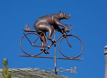 Image of weather vane at Bear Valley Inn in Olema, California