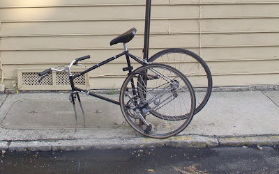 Image of locked bicycle in Charleston, South Carolina
