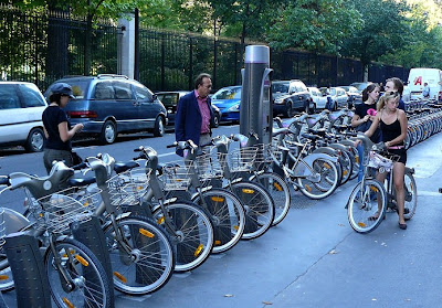 Image of Velib station in Paris