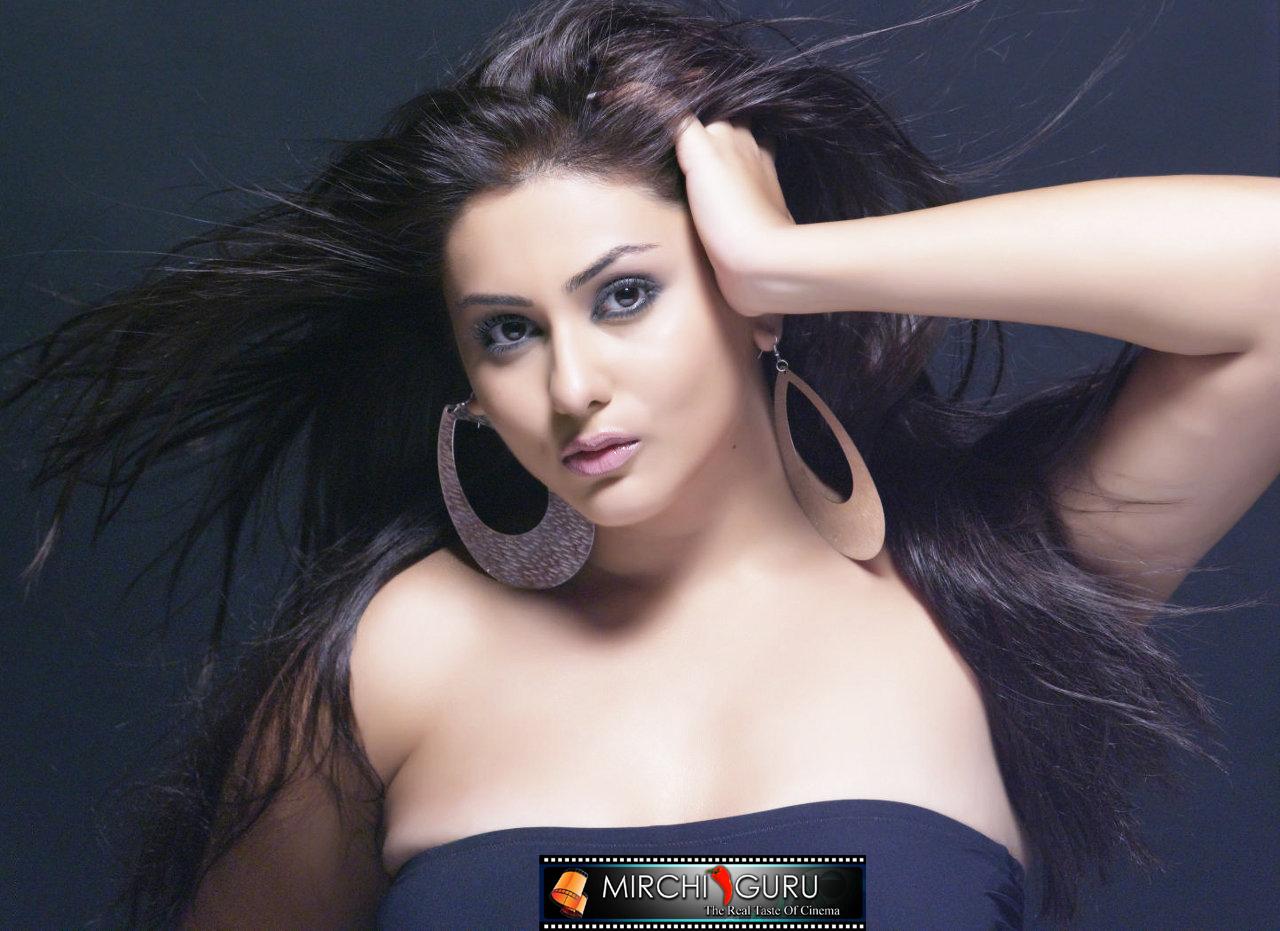 http://1.bp.blogspot.com/_jdnlGz1uv74/TKAu6CpyjVI/AAAAAAAAACc/Bg3vabk8ZME/s1600/namitha_photo_shoot_wallpapers_03+copy.jpg