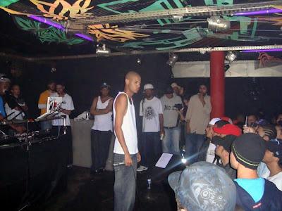 Emicida e a Magia do Rap no Hole Club.