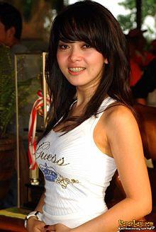 Syahrini, Gambar cewek, Foto Hot Artis Indonesia, Singer Seksi, cewek facebook, cewek² bugil, gadis² indoseksi