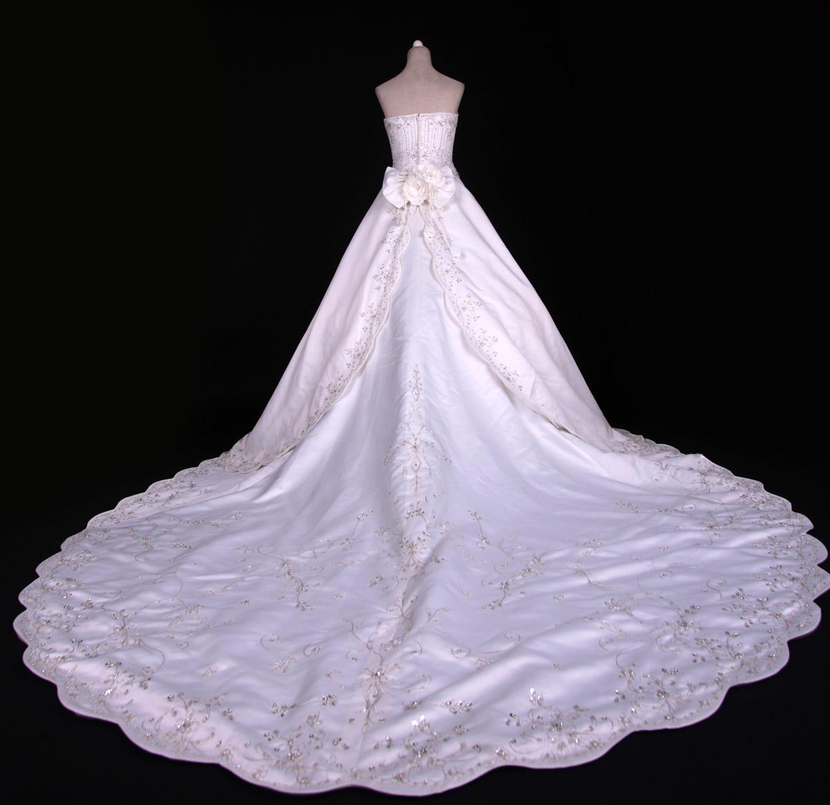 Wedding Dress  Jakarta : Bridal trousseau list gown wedding jakarta