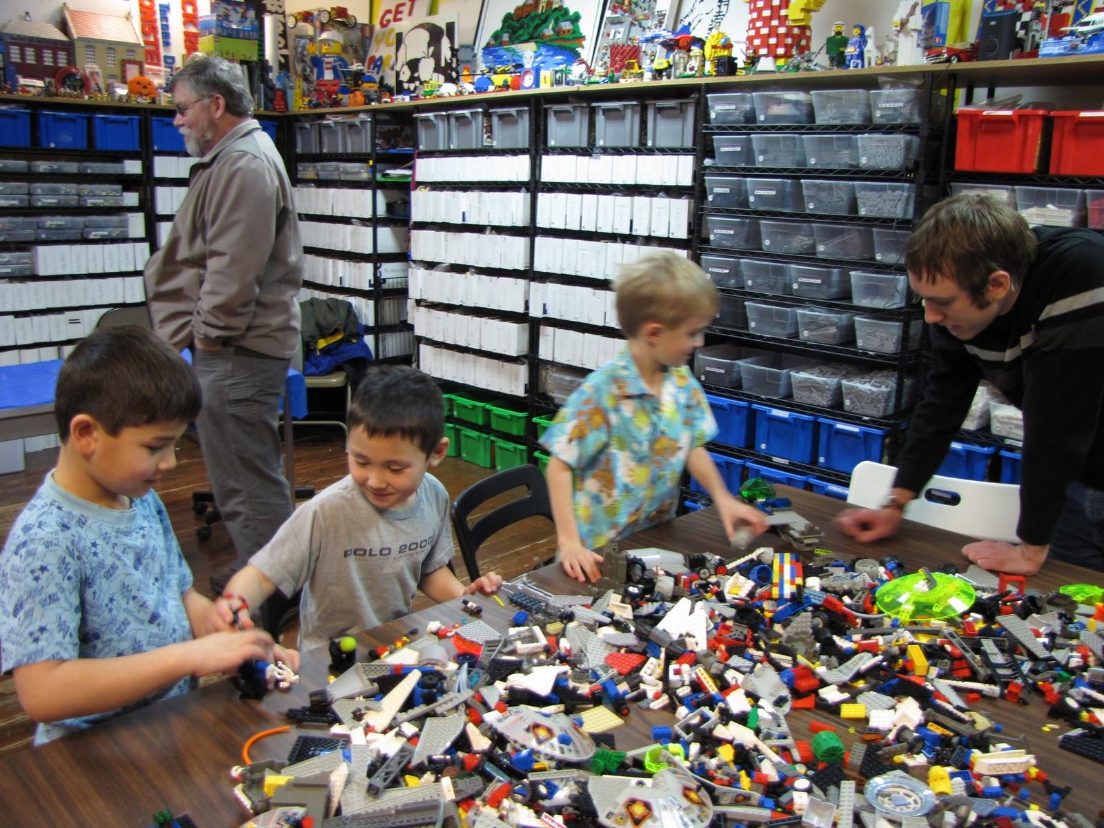 Sleepless in Babyland AWESOME LEGO PARTY -> Tuto Table Lego