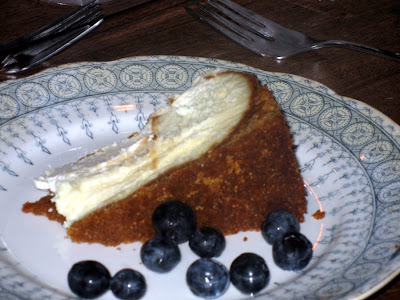 Cheesecake and fresh blueberries