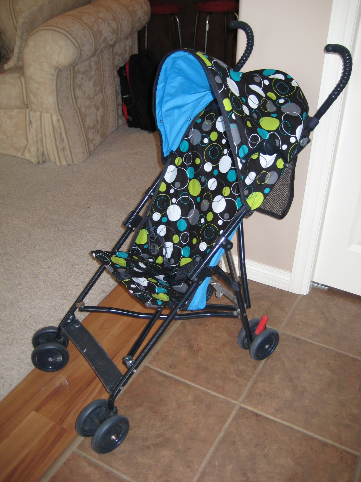 Laura Thoughts: Umbrella Stroller Re-cover, Completed
