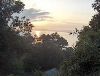 Una mirada a la bahía desde la avenida de la Reina Victoria