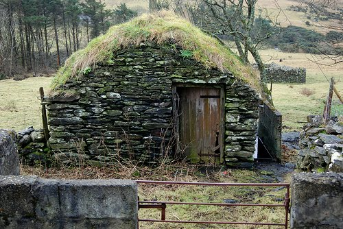 Dry stone building near Carrick Co Donegal by frankhound05