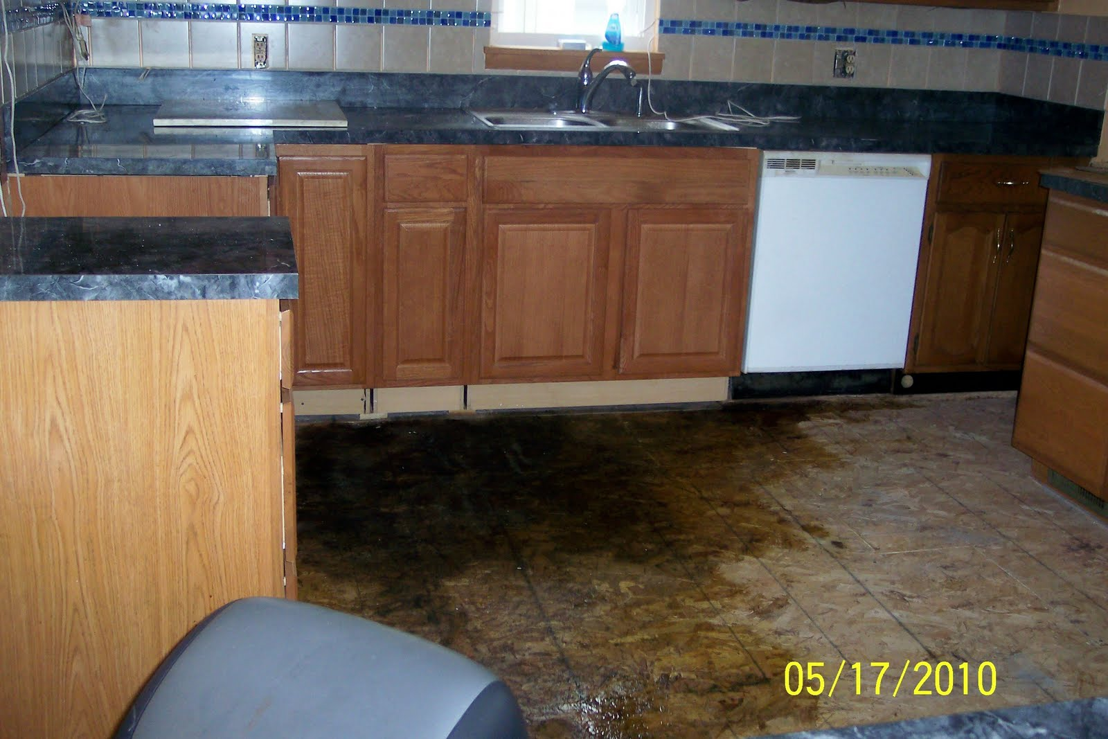 Wet Kitchen Floor Mommas Place At Home Water Leak Led To Remodeling Our Kitchen