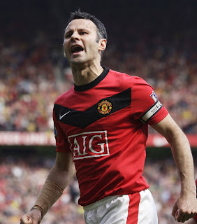 Ryan Giggs Photos in Tottenham Match