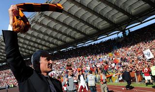 As Roma Vs Calgiari HQ Match Photos , AS Roma fans