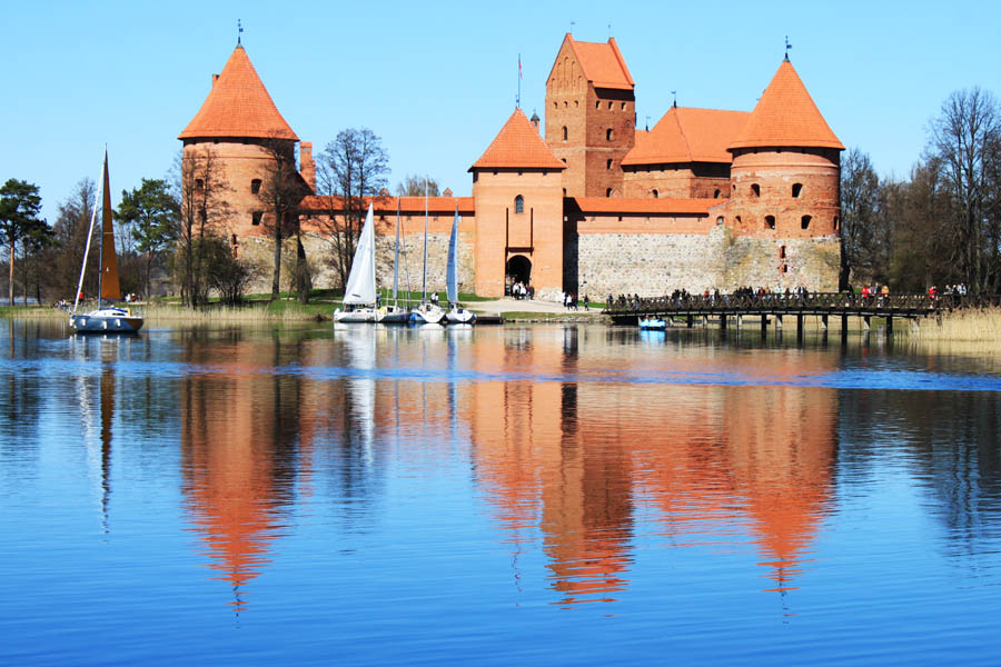 external image Lithuania+Trakai+Castle.jpg