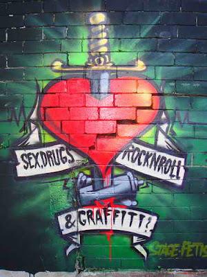 Write My Name In Graffiti Alphabet Love Cool graffiti design examples