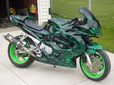 Modification Motor Yamaha R6 Green Bubble