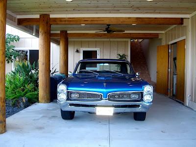 garage (sweet vintage car
